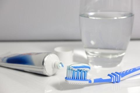 シャワー中に行う歯磨きとうがいのポイント